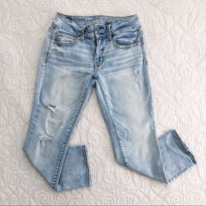 American Eagle Light Wash Artist Crop Stretch Jean